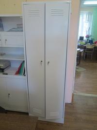 медицинский шкаф